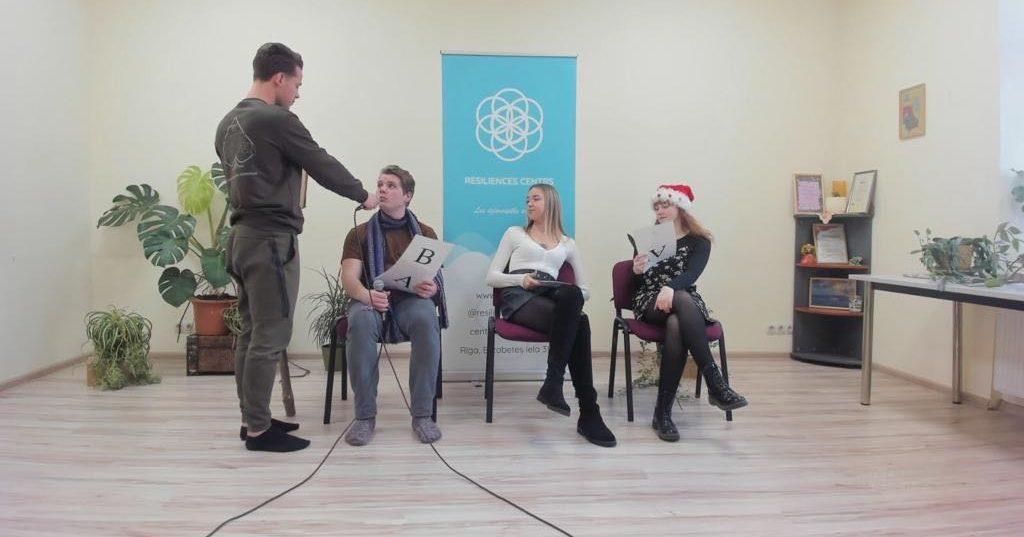Ziemassvētku gaisotnē aizvadīts interaktīvs seminārs par aktuālo psihosociālajā darbā ar jauniešiem